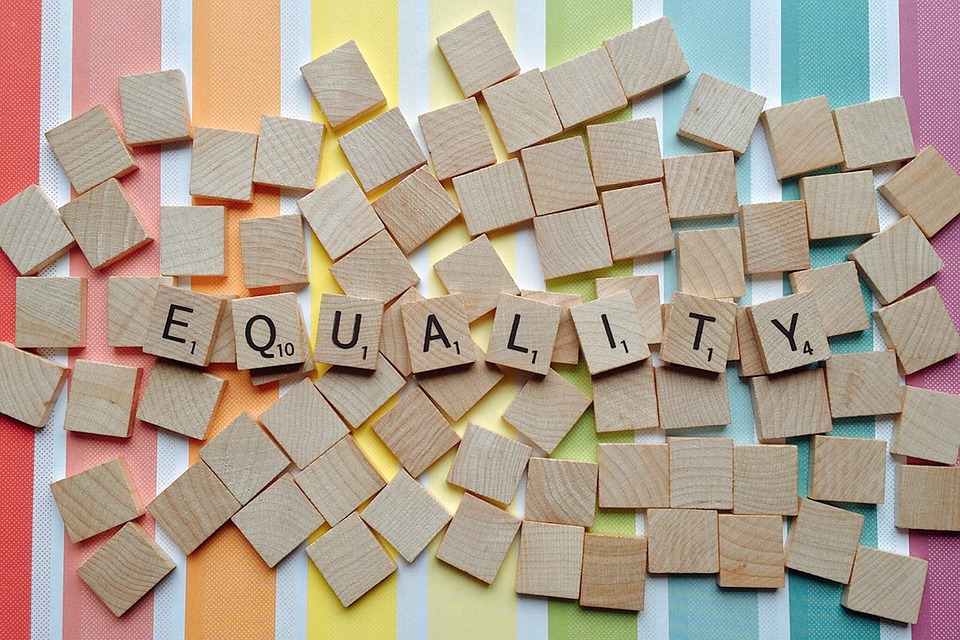 3Q: American Intimacy in Times of Escalating Inequality