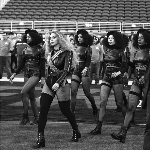 Beyonce and her dancers practice their entrance before the performance. Via Beyonce, Instagram.