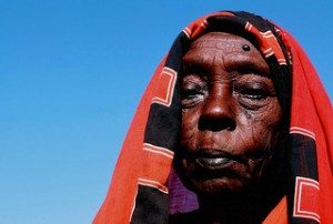 A internally displaced woman in Sudan. Photo by wagdi.co.uk via flickr.