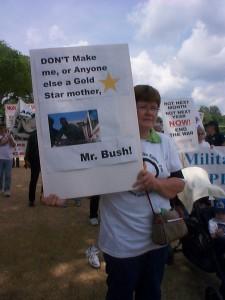 protest-goldstarmom