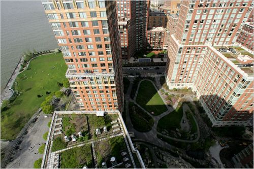 BATTERY PARK CITY: as a pioneer. It's all Green, environmentally friendly.