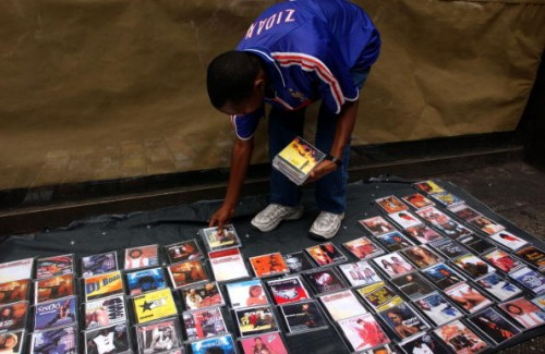 Selling Pirated Pop Culture on the Streets of New York