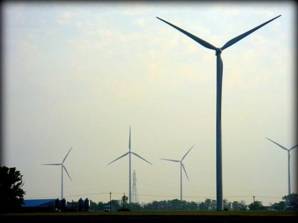 Wind farm arguments can generate a lot of hot air. Photo by Charles Carper, Flickr CC. https://flic.kr/p/efdEkv